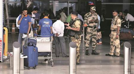 Delhi news, Delhi city news, Delhi airport bomb threat, Delhi airport unclaimed bag, Delhi T3 airport bomb scare, IGI airport Delhi news, indian express