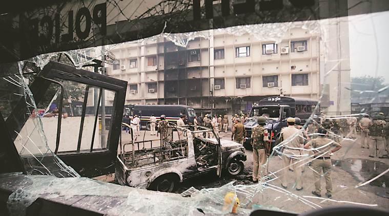 Lawyers, police clash as row over parking in Delhi court turns violent