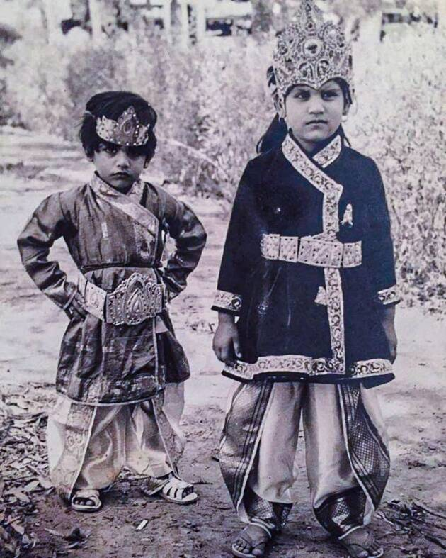 Karanvir Bohra with sister