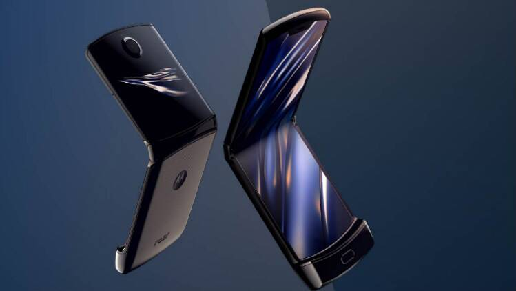 Huawei patent hints at motorola razr style foldable phone with a clamshell design