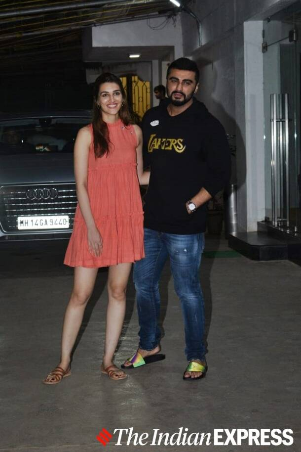 kriti sanon fashion, kriti sanon panipat movie photos, kriti sanon latest photos, kriti sanon recent photos, kriti sanon, celeb fashion, lifestyle, indian express