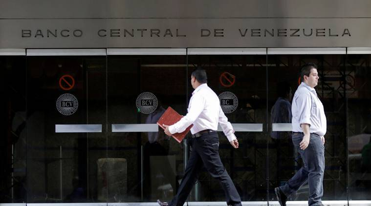 Sanctioned by US, Venezuela doubles Euro supplies to its banks
