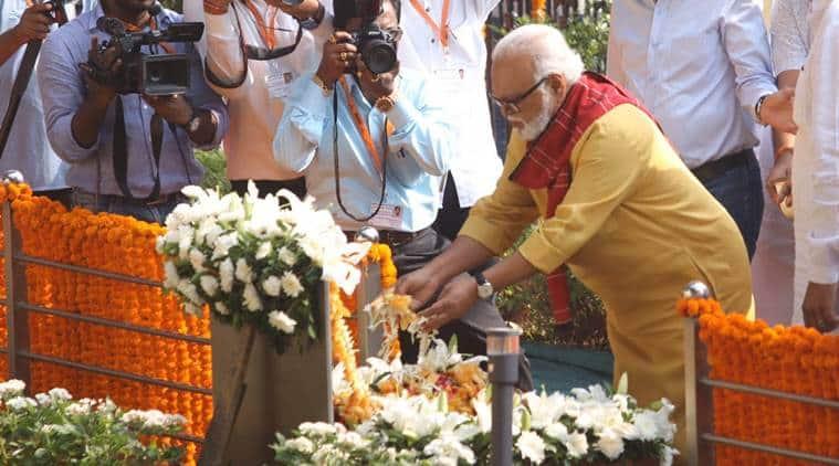 bal thackeray, bal thackeray death anniversary, devendra fadnavis, fadnavis praises bal thackeray, shiv sena bjp fight, maharashtra political impasse
