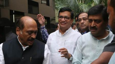 Uddhav Thackeray Congress leaders meeting, Maharashtra government formation, Maharashtra latest news, president's rule in Maharashtra, Shiv Sena, Sanjay Raut in hospital, indian express