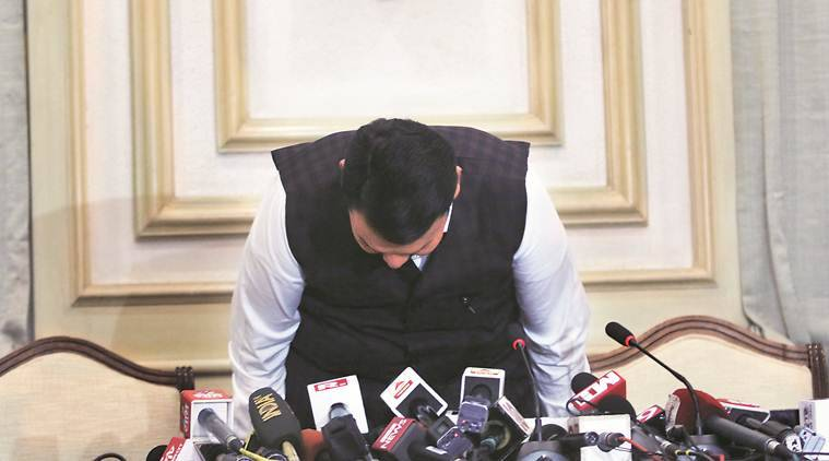 devendra fadnavis resign, devendra fadnavis resign as chief minister, maharashtra politics, maharashtra poltical crisis, maharashtra thackeray oath, indian express news