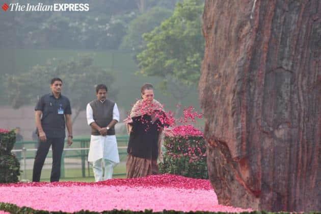 Indira gandhi, indira gandhi birth anniversary photos, Indira gandhi birth anniversary, Indira gandhi birthday, Indira gandhi 102 birth anniversary, Modi on Indira gandhi, Congress on Indira gandhi, Indira gandhi tributes, sonia gandhi on Indira gandhi, rahul gandhi on Indira gandhi