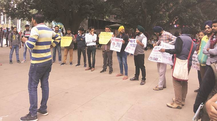 Panjab University students lend support to JNU protesters