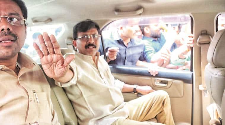Shiv Sena leader Sanjay Raut reaches Sharad Pawar's residence