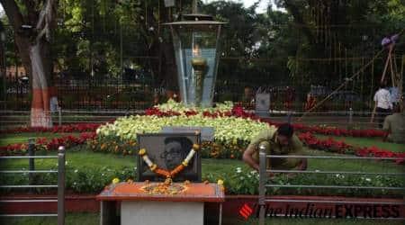 uddhav thackeray maharashtra chief minister, uddhav thackeray shiv sena, uddhav thackeray, shivaji park, shivaji park shiv sena, indian express news