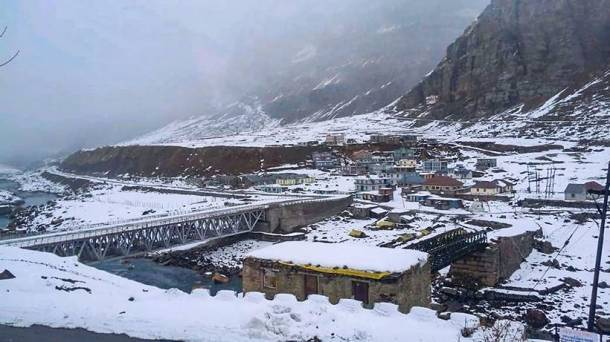 himachal pradesh snowfall, snowfall photos, snow in himachal, shimla snowfall, lahaul-spiti, himachal pradesh news, indian express
