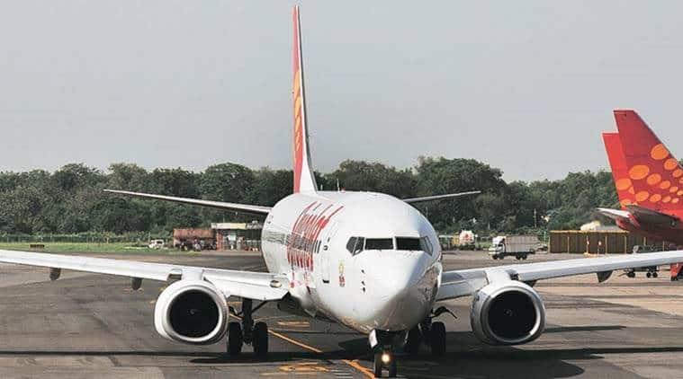 SpiceJet, SpiceJet plane, SpiceJet plane accident, Goa Dabolim International Airport, SpiceJet nose gear, Indian express