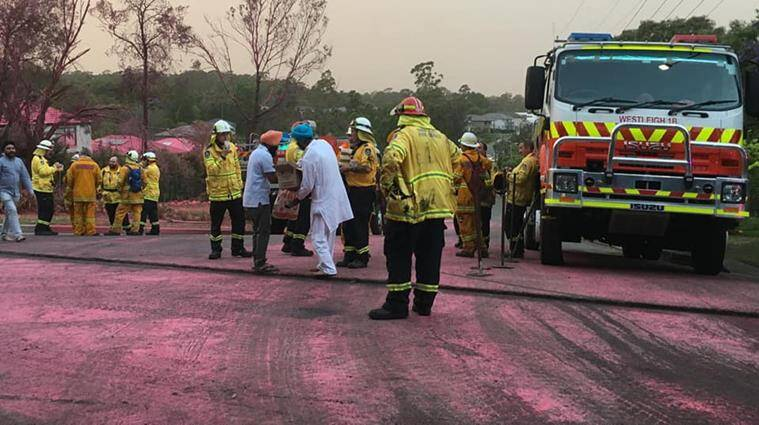 australia, australia bush fire, nsw bush fire, sydney gurudwara serve firefighters, sikh community serve meal fireman bushfire, viral news, good news, indian express