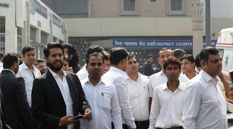 tis hazari clash, delhi police lawyers clash, delhi police lawyers violence tis hazari, latest news