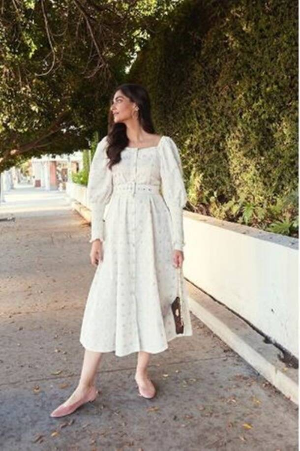 sonam kapoor latest photos, sonam kapoor recent photos, sonam kapoor, sonam kapoor fashion, celeb fashion, indian express. lifestyle