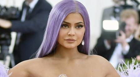 kylie jenner photos, kylie jenner nails, kylie jenner makeup, kylie jenner kylie cosmetics, kylie jenner style, indian express, lifestyle