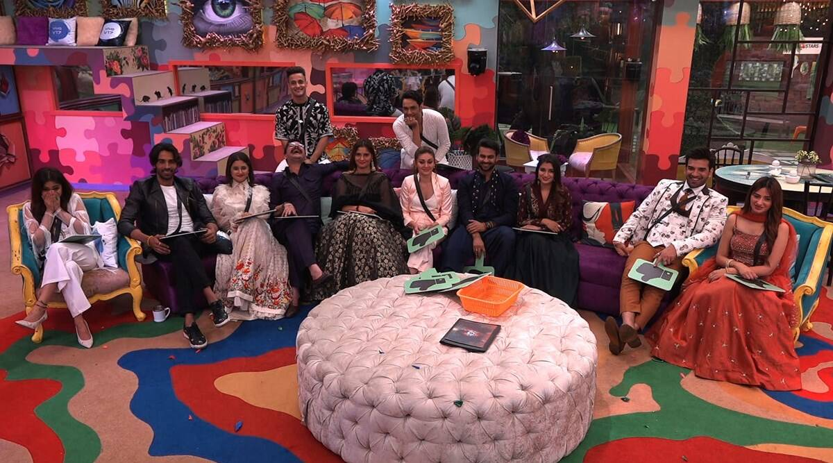 Bigg Boss 13 15 December 2019 Episode Live Updates Bigg Boss 13 Eviction Sidharth Shukla Paras Chhabra Shenaaz Gill Rashami Desai News