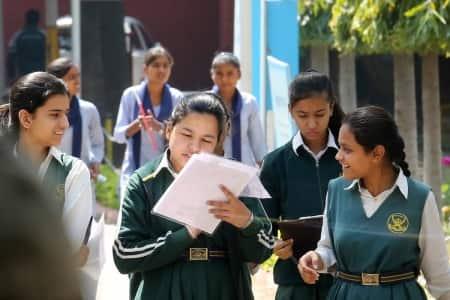 women in stem, girls in technical courses,