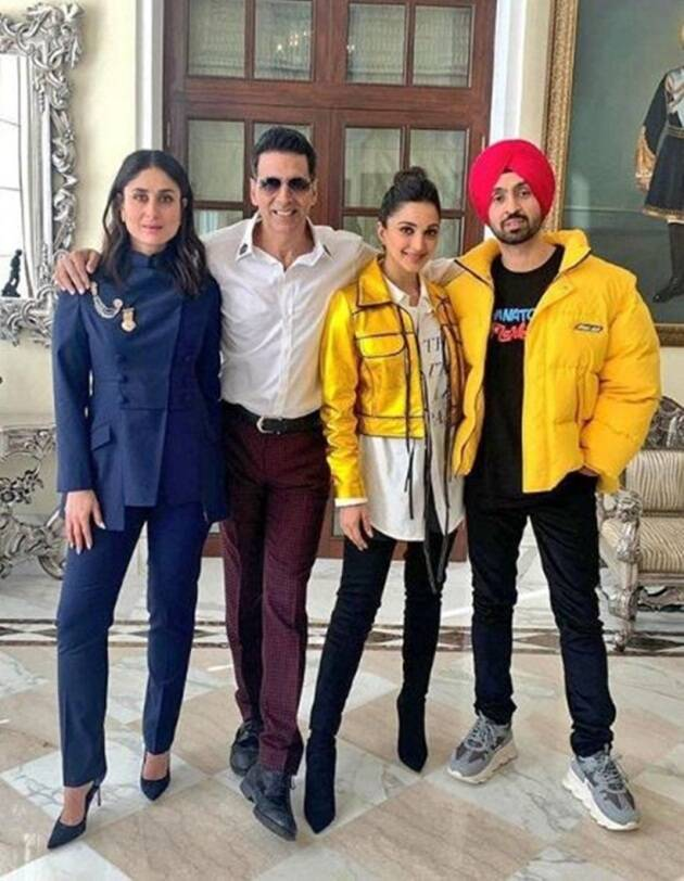 good newws actors kareena kapoor, akshay kumar in town