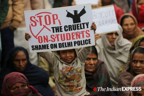 Protests against CAA continue in Delhi, protest march at Seelampur turns violent