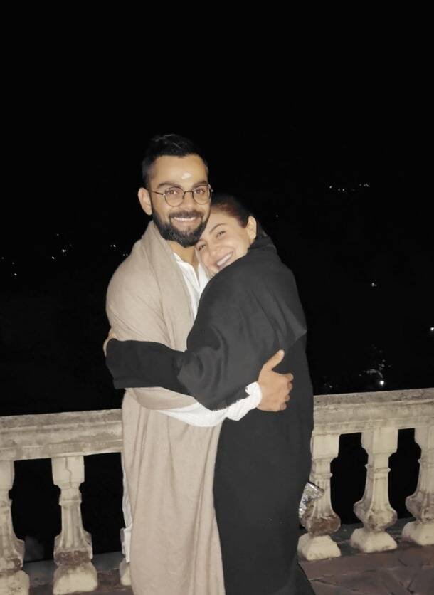 happy anniversary virat anushka, virat kohli anushka sharma photos, virat kohli anushka sharma latest photos, happy anniversary virushka, virat kohli latest photos, anushka sharma photos, indian express, couple goals virushka