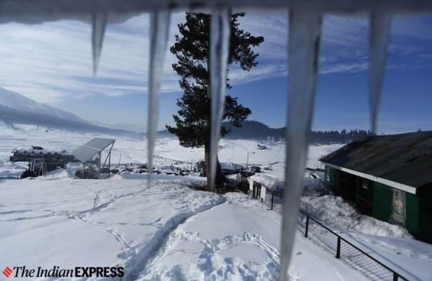 north india weather, cold wave north india, delhi temperature, delhi winters, delhi cold wave winter, kashmir snow, gulmarg snow winters