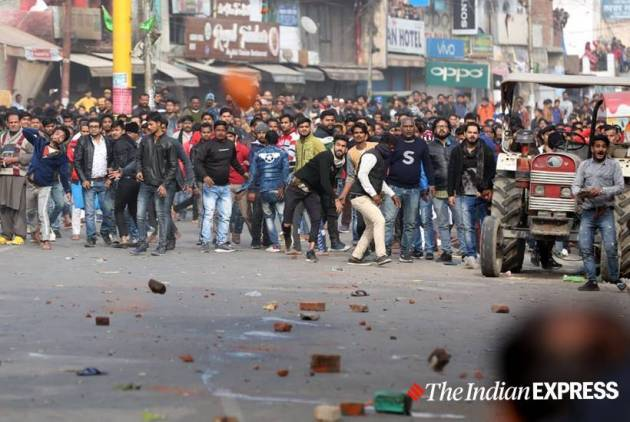 CAA protests turn violent in Lucknow as police station torched, vehicle set ablaze