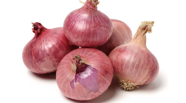 onion price rise, onion prices india, indianexpress.com, indianexpress, onion substitutes, onion alternative, shallots, chives, garlic, green onion, leeks.