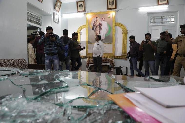 Maharahstra Congress, Pune congress office vandalised, Bhor mla supporters attack congress office, Sangram Thopte, Anantrao Thopte, indian express