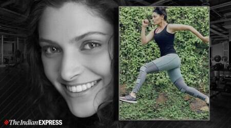 foam roller, foam rolling, indianexpress.com, fitness goals, celeb fitness, foam roller benefits, saiyami kher instagram, actor saiyami kher, marathon preparation, marathon runner, sports fitness, sports running, muscle soreness, how to relieve muscle soreness,