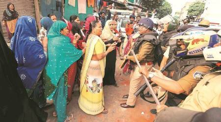 Citizenship amendment act protest, CAA protest, NRC protest, police open fire in Vadodara, Ahemdabad news, Gujarat news, Indian express news