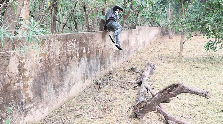 Unfenced boundary walls cause for concern at 2 educational institutes