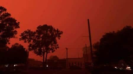 Three people feared dead in Australian bushfires