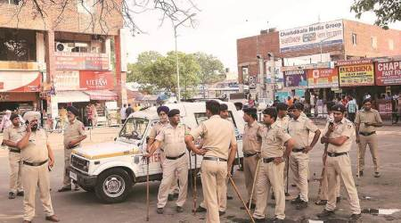 Coronavirus outbreak, India lockdown, policemen suspended, UP police, quarantine centre, Lucknow news, indian express news
