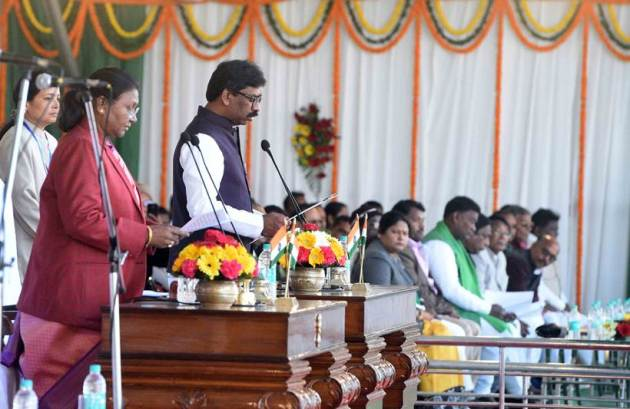 Opposition show of strength at the swearing-in ceremony of Hemant Soren as Jharkhand CM (Express Photo: Partha Paul)
