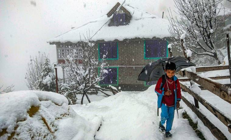 Weather forcast today live updates delhi air quality improves slightly after rains fresh snowfall in himachal