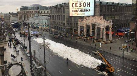 winter, moscow, russia climate change, moscow warmest december, moscow fake snow, viral news, odd news, indian express
