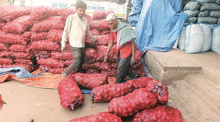 onion prices, onion prices hike, Govt halves stock holding limit for onions, onion prices Bihar, Bihar elections, indian express