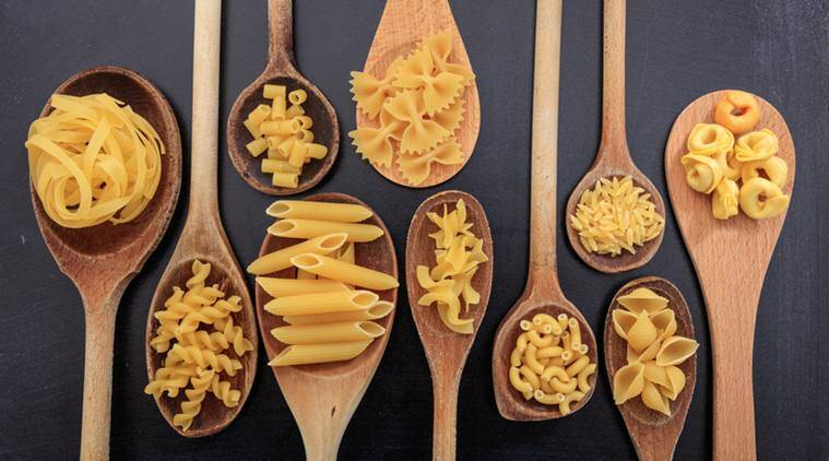 Types of pasta, pasta varieties, pasta recipes, easy pastas to make, pasta in white sauce recipe, pasta in red sauce recipe, easy pasta recipe, penne pasta recipe, fuscili pasta recipe, lasange recipe, macroni and cheese recipe, mac and cheese, spaghetti pasta recipes,