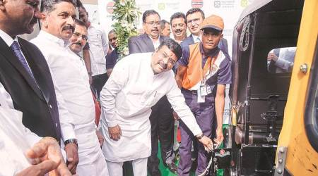 Dharmendra Pradhan, Dharmendra Pradhan in pune, natural gas in india, centre on natural gas share