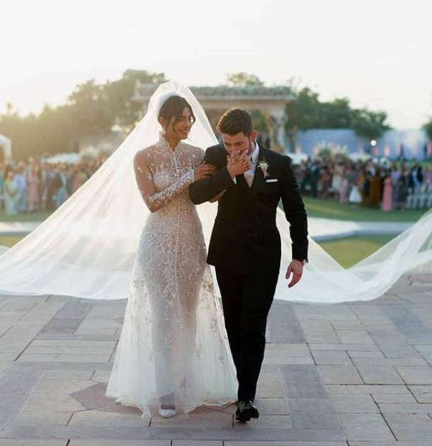 Priyanka Chopra, Nick Jonas, wedding anniversary, iconic looks, fashionable looks, indian express news