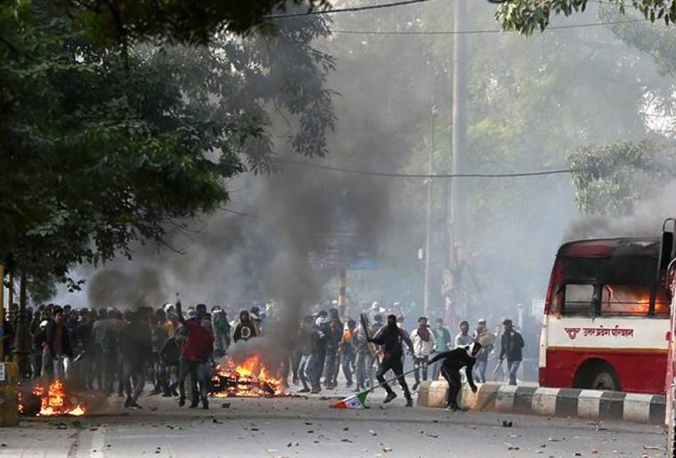Lucknow violence, lucknow protests, citizenship amendment act lucknow, lucknow CAA protest violence, lucknow violence updates, lucknow news, indian express