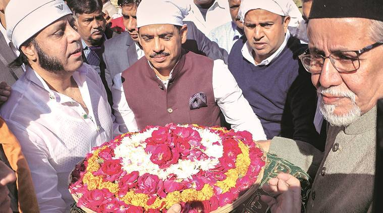 Robert vadra questions govt over spg withdawal hints at joining politics