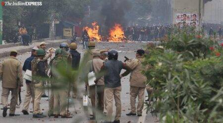 seelampur citizenship law protests, seelampur violence delhi, citizenship law protests, citizenship law protests delhi, seelampur protests, policemen injured, indian express news