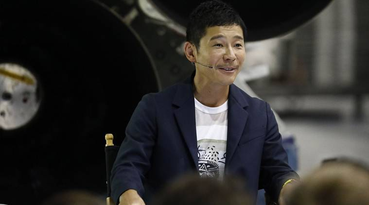 Moonstruck: Japanese billionaire's girlfriend entrants top 20,000