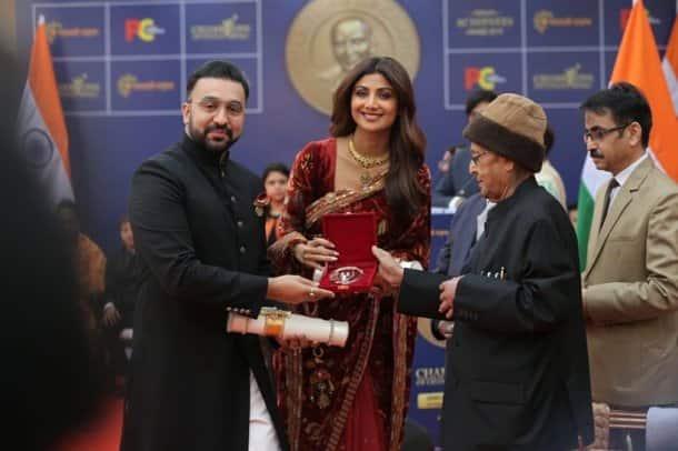 shilpa shetty awarded by pranab mukherjee