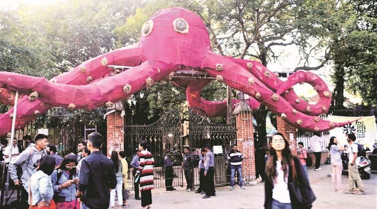 vadodara news, vadodara city news, gujarat news, MSu fire, MSU fine arts fair, indian express news