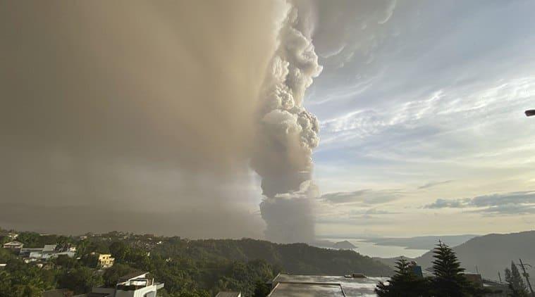 Manila Volcano, Philippine Volcano, Philippine Manila volcano photos, Manila news, Manila airport shut, indian express world news
