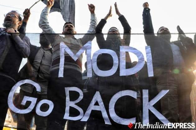 Modi Kolkata Photos, Kolkata Modi photos, Modi Mamamta Banerjee photos, Mamata Banerjee Kolkata Modi, Modi CAA protest, Go back Modi photos, Modi go back pictures, indian express photos