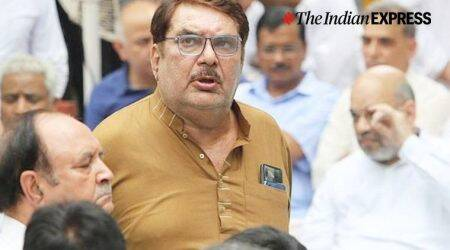 Raza Murad on CAA: Government should give citizenship irrespective of religion