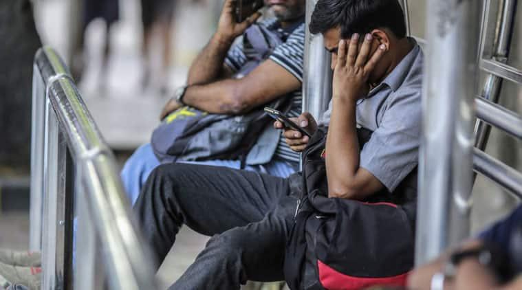 Smartphones sales in India, Mobile sales in India, 2020 mobile sales, India 2020 smartphone sales, Gartner India, Gartner India sales